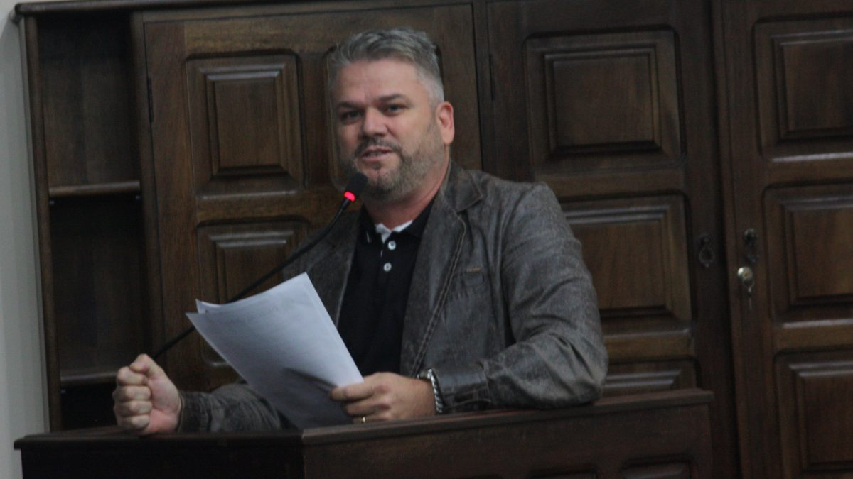 Pastor Adilson pede providência contra o coronavírus