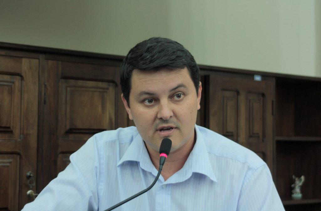 Diego da Global sugere distribuição de frutas e verduras a famílias carentes