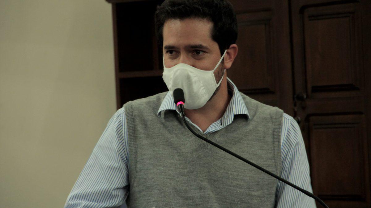 Luisinho sugere distribuição de máscaras e álcool gel