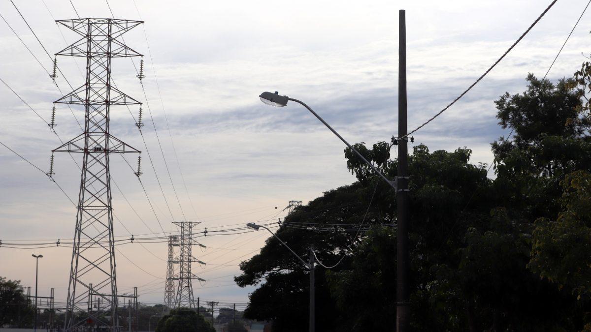 Prefeitura Municipal instala mais pontos de iluminação pública em ruas de Descalvado