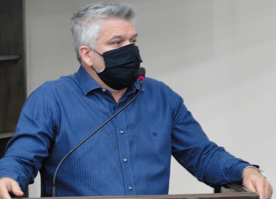 "Pastor Adilson pede para converter dinheiro da ""Festa de Setembro"" para a saúde"