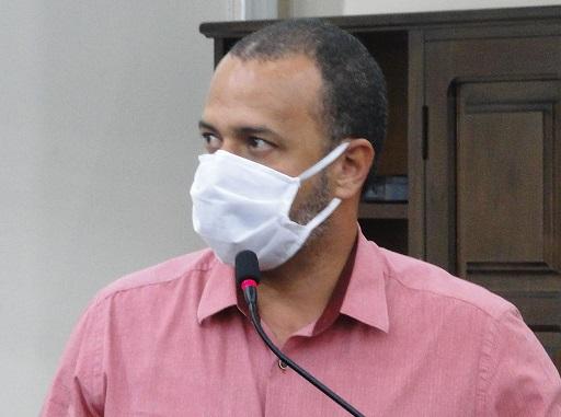 Vaguinho pede limpeza da Avenida Independência e questiona limpeza pública