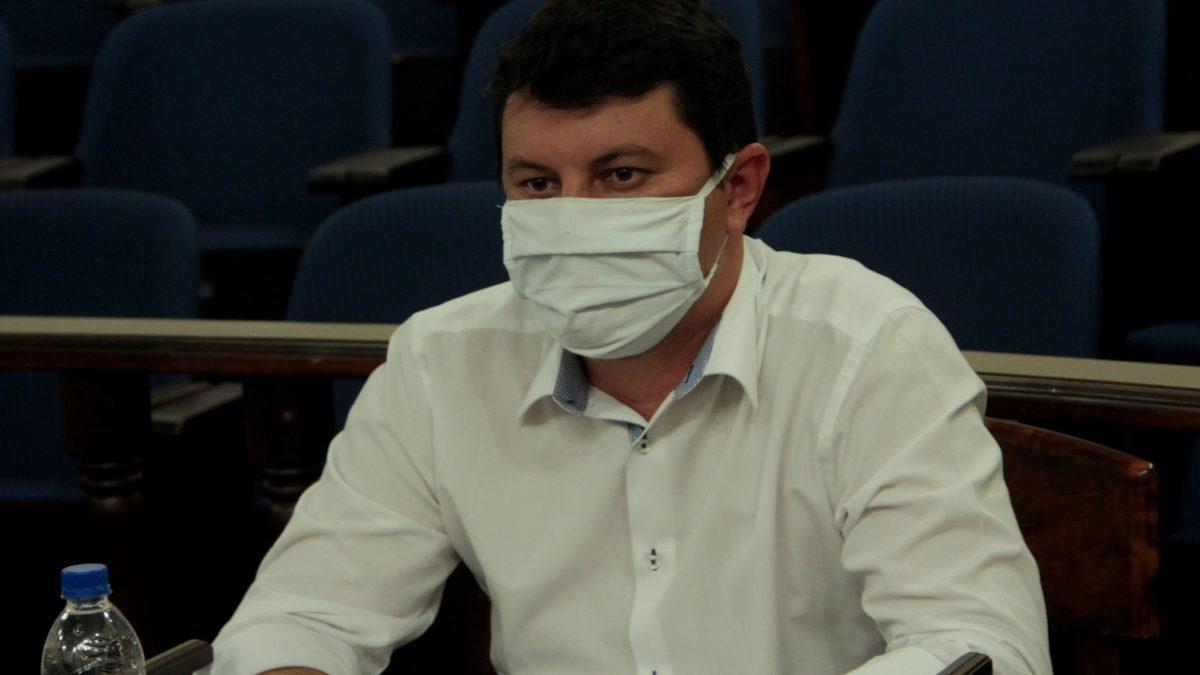 "Diego da Global indica limpeza de terreno no ""Ipês II"""