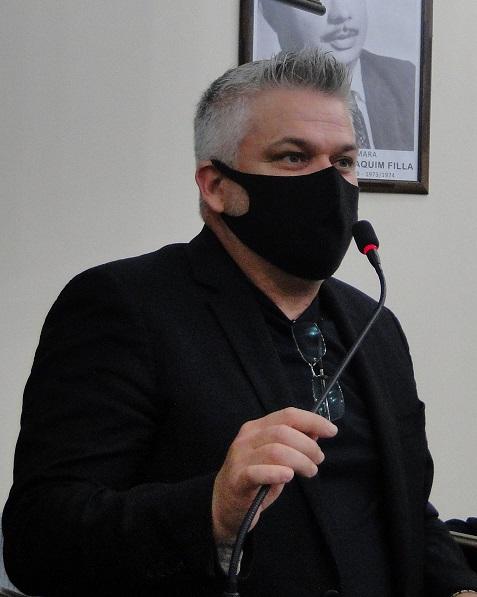 Pastor Adilson apresenta projeto que cria o Dia do Motoboy em Descalvado