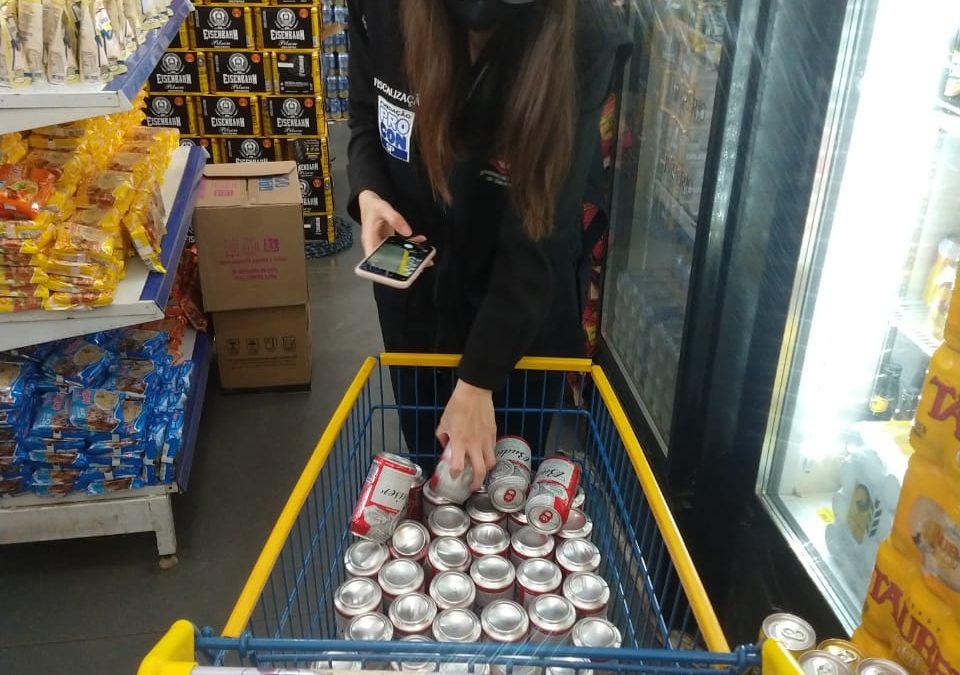 Fiscalização encontra cerveja vencida em supermercado da região sul de Descalvado