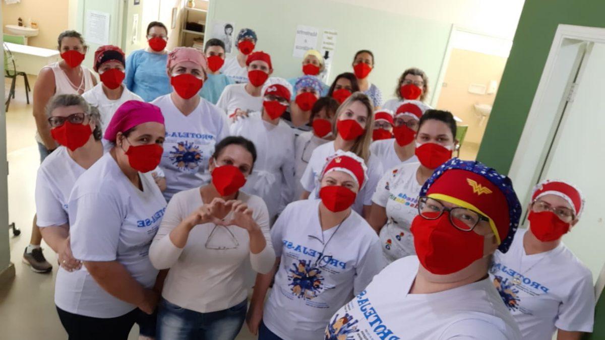 Projeto Máscaras Vermelhas na Linha de Frente