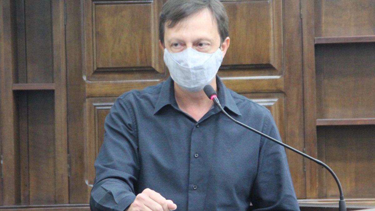 Paulinho pede limpeza no Jardim Paraíso