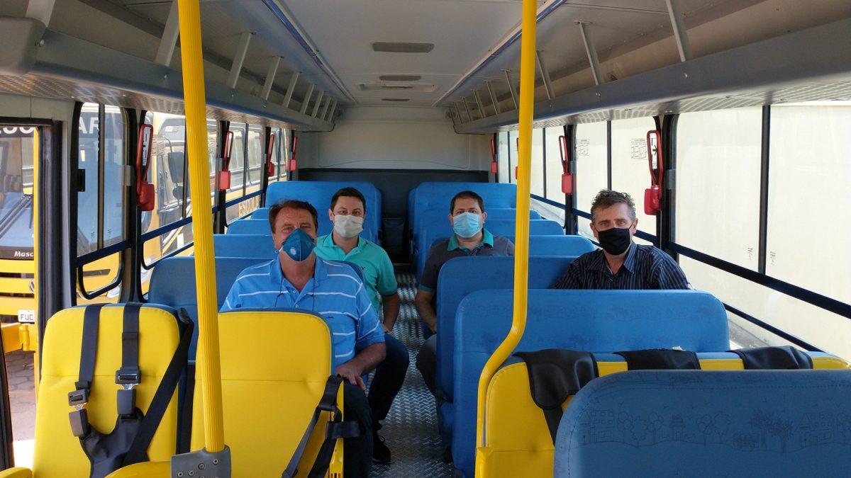Secretaria de Educação mais um ônibus zero quilômetro para o transporte escolar