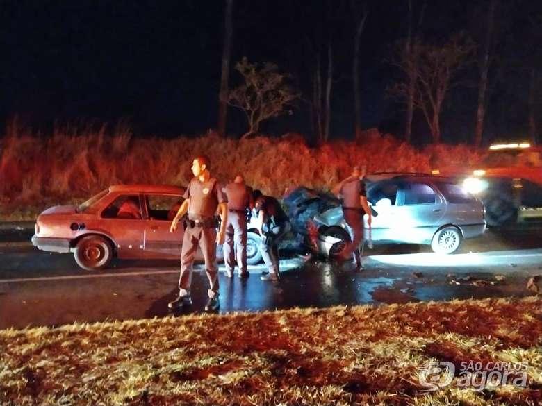 São Carlos: Três pessoas morrem e uma fica gravemente ferida na SP-215
