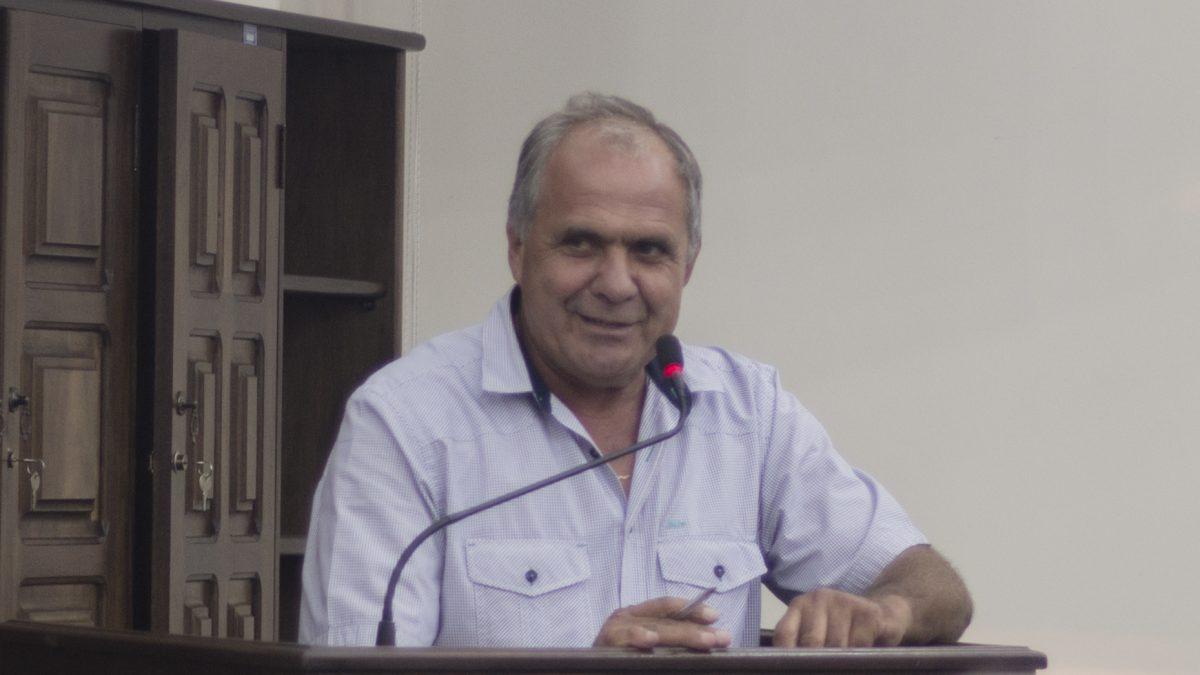 """Argeu sugere instituição do Projeto """"Calçada Solidária"""""""