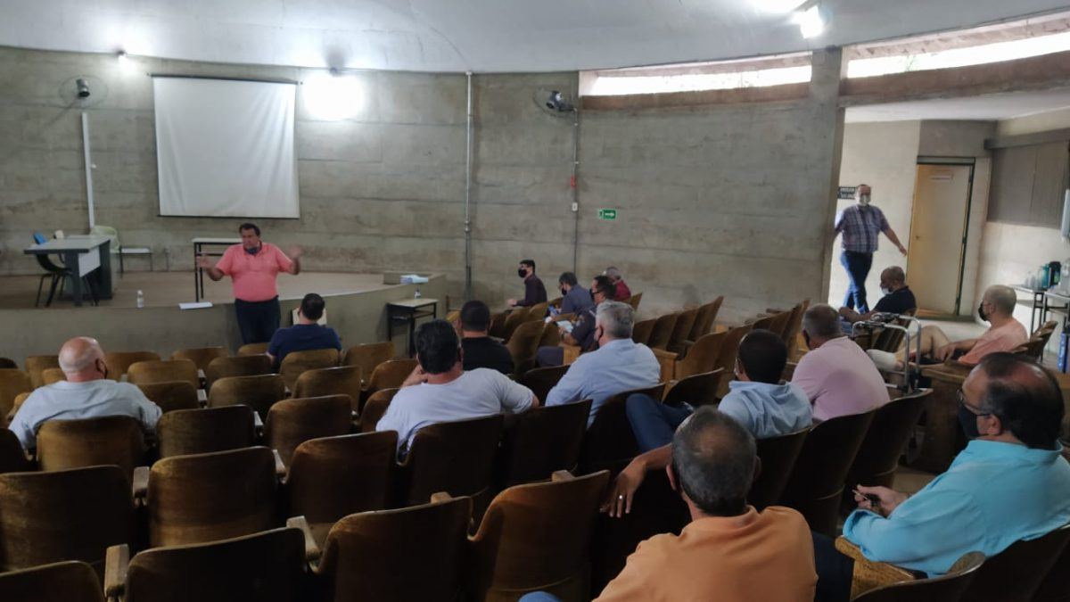 Autoridades se reúnem para discutir sobre a flexibilização do comércio em Descalvado