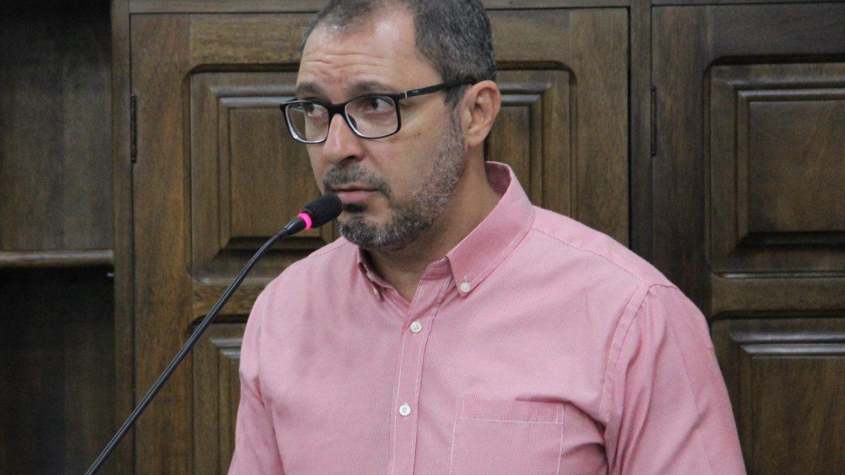 Figueiredo sugere parceria para instalação de Unidade de Terapia Semi-Intensiva