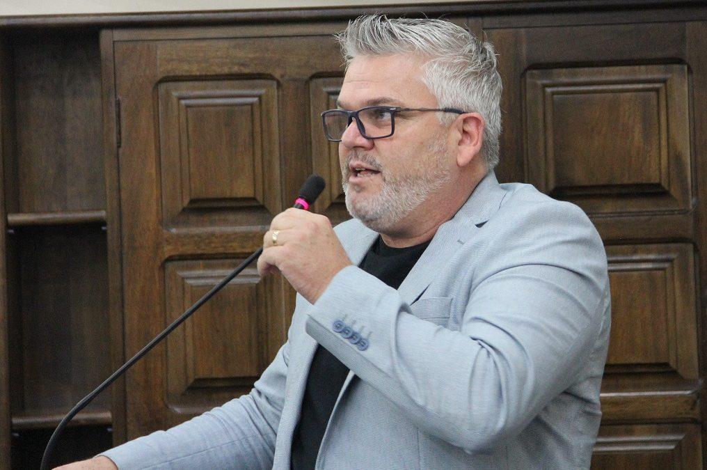 Projeto de Lei do Vereador Pastor Adilson em defesa dos animais