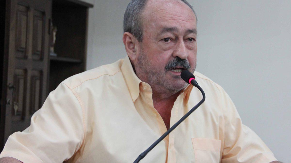 Pinho defende busca de recursos para recapeamento em Descalvado
