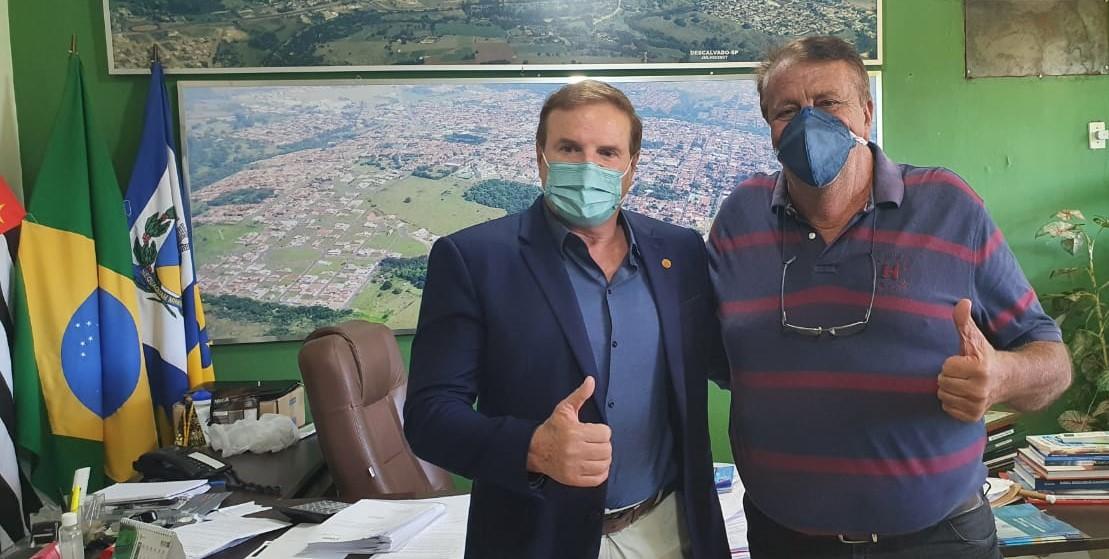 Prefeito recebe a visita do deputado estadual Cezar (PSDB) e discute demandas da cidade