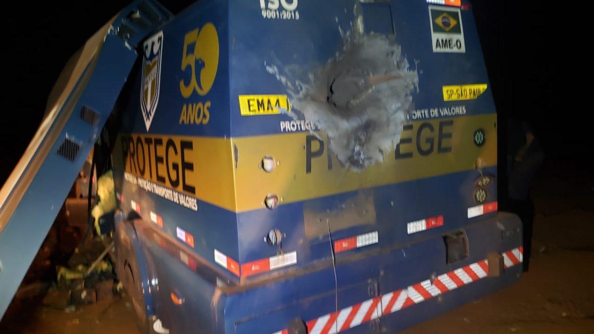 REGIÃO: Assaltantes atacam carro-forte na Rodovia SP-318, veja as fotos