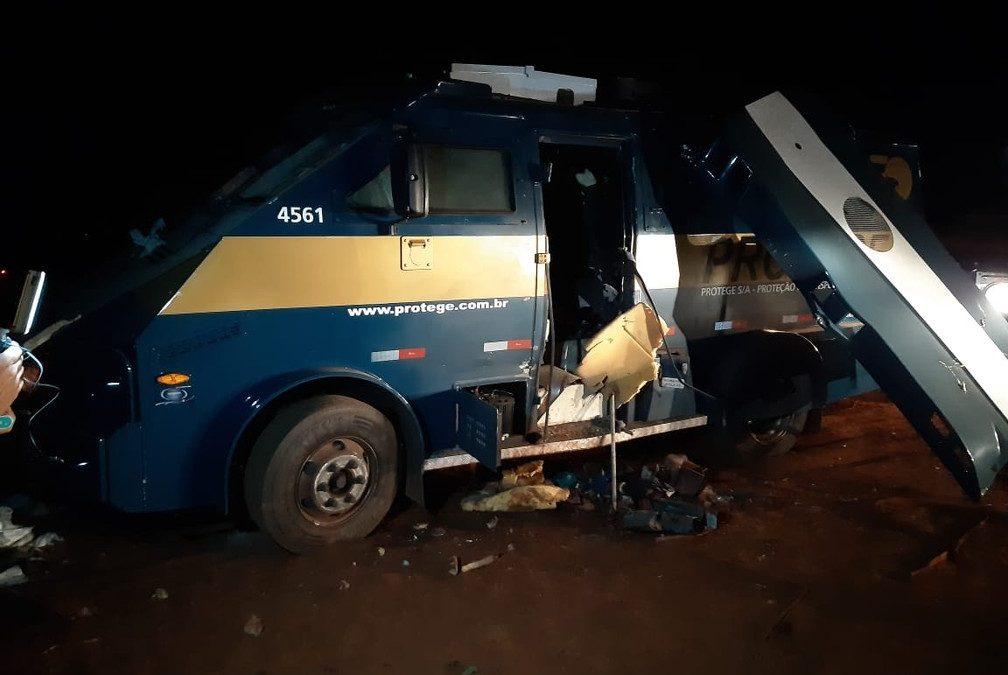 Assaltantes atacam carro-forte na Rodovia SP-318 em São Carlos