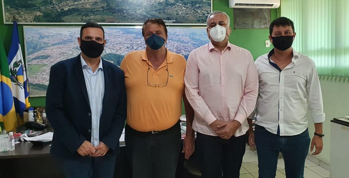 Prefeito de Descalvado recebe visita do assessor do Deputado Federal Luiz Carlos Motta