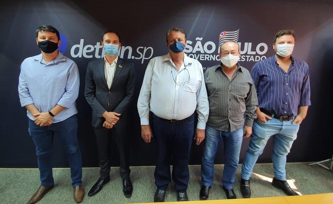 Prefeito e vice-prefeito se reúnem com o Diretor-Presidente do Detran.SP para tratar da instalação do Poupatempo de Descalvado