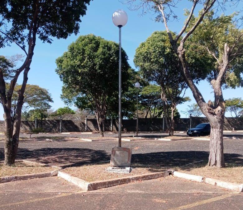 Furto de fios e cabos elétricos afeta iluminação da área de estacionamento do Cemitério