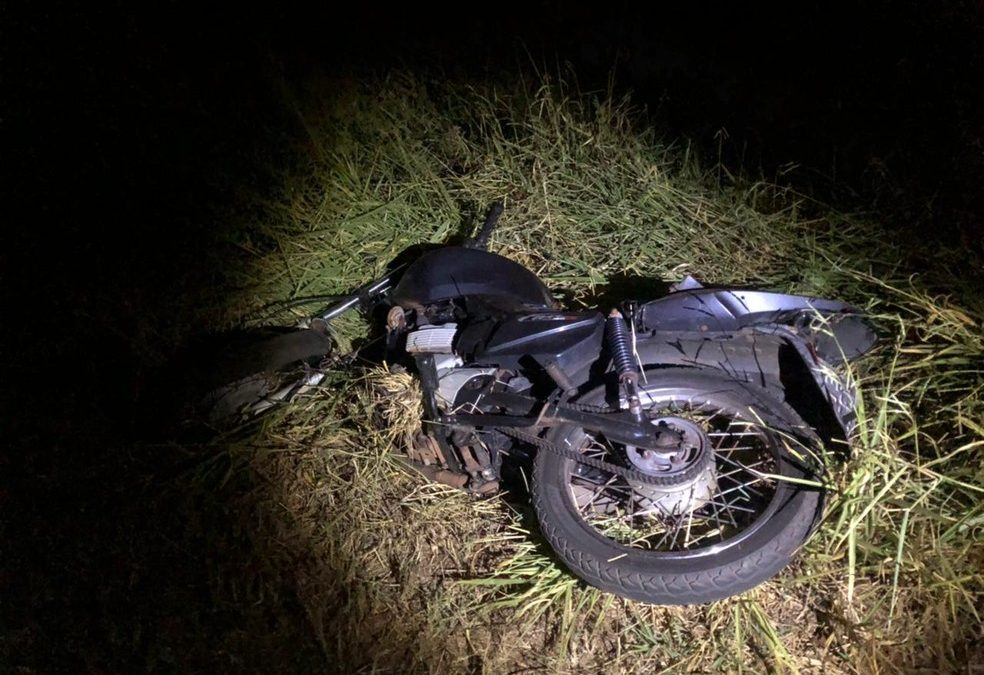 REGIÃO: Adolescente de 13 anos morre ao bater moto contra placa em estrada de São Carlos