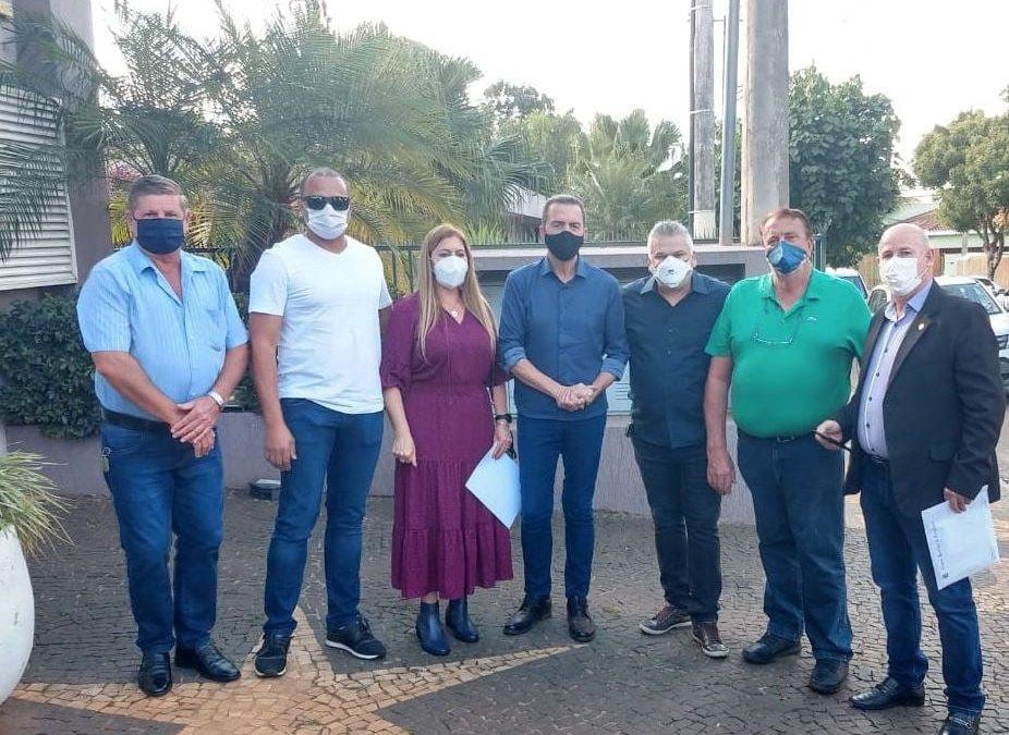 PRESIDENTE E VEREADORES RECEPCIONAM O SECRETÁRIO DE AGRICULTURA ITAMAR BORGES, EM DESCALVADO