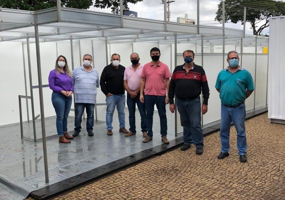 Prefeitura cria uma nova estrutura externa para o atendimento de casos de Covid-19 e abre mais 9 leitos de internação na Santa Casa