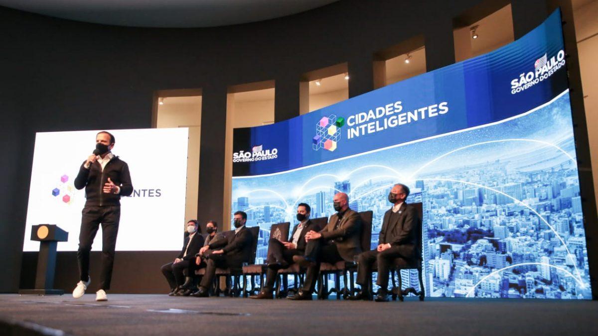 Em São Paulo, vice-prefeito participa do lançamento do programa Cidades Inteligentes para modernização da gestão pública