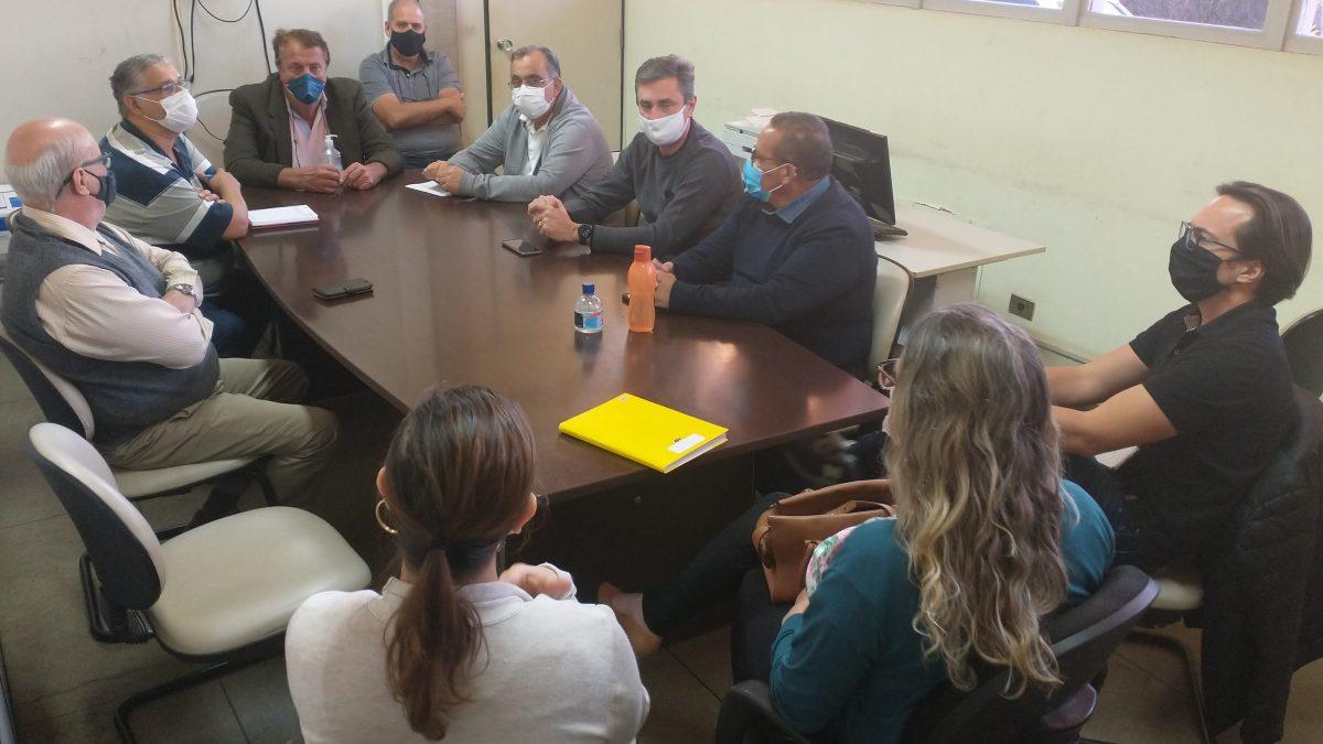 Reunião entre gestores municipais e empresários propõe instalação de Clínica de Imagem no complexo da Santa Casa de Descalvado