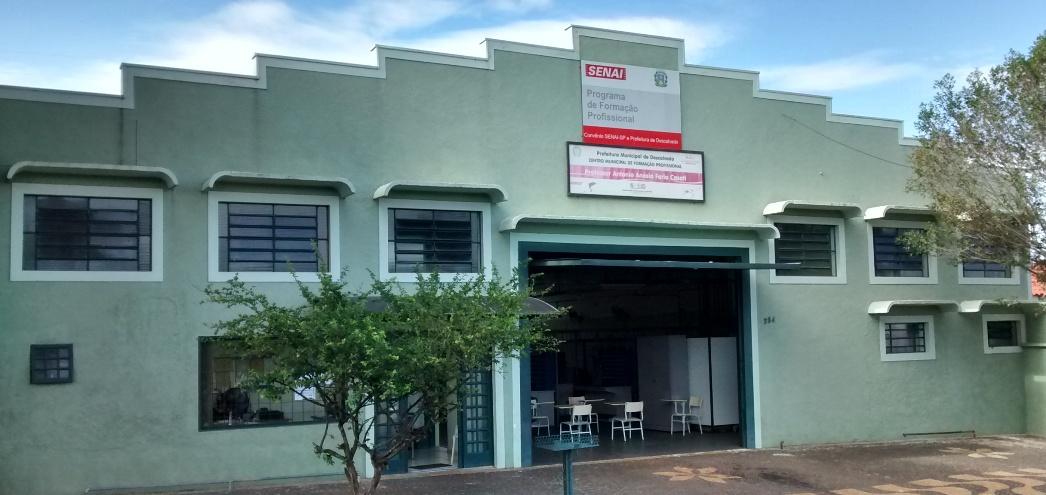 Centro Municipal de Formação Profissional e SENAI abrem inscrições para cursos de Eletricista Instalador e Auxiliar de Mecânico Automotivo