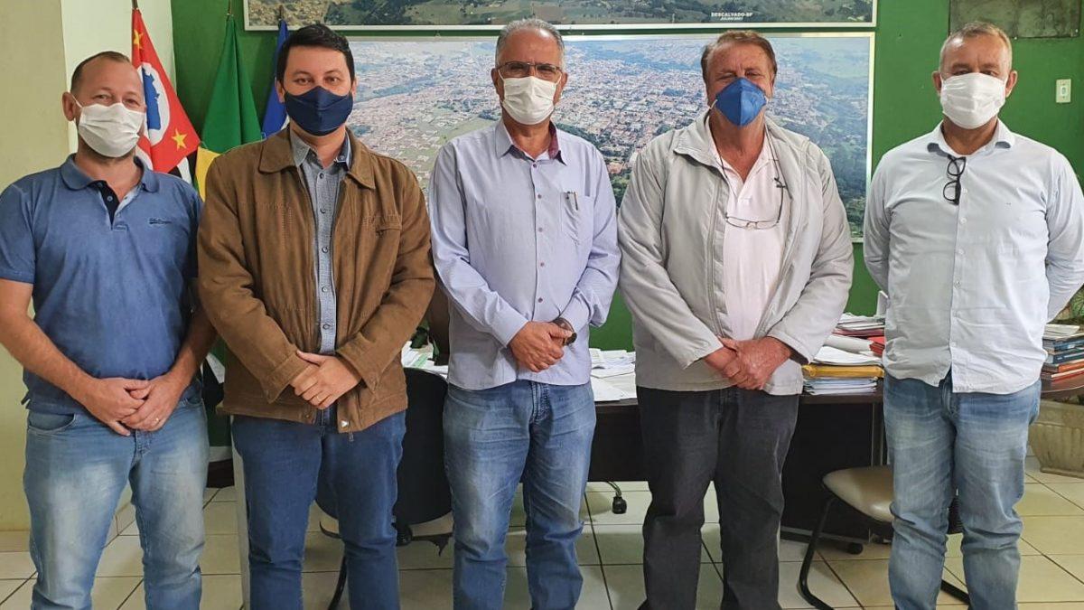 Becão e Diego da Global recebem a visita do Prefeito Marcelo Simão, de Santa Rita do Passa Quatro