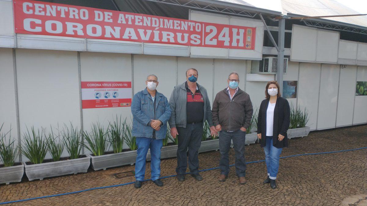 Prefeito e Secretário de Saúde entregam a ampliação do complexo de atendimento à Covid-19