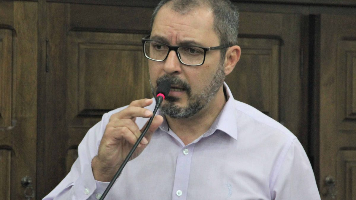 Figueiredo sugere medida para economia de energia pela Prefeitura