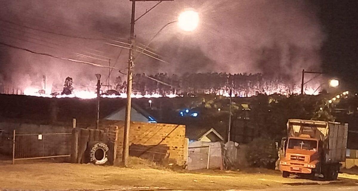 Incêndio de grandes proporções no bairro Ricardo Cesar em Descalvado