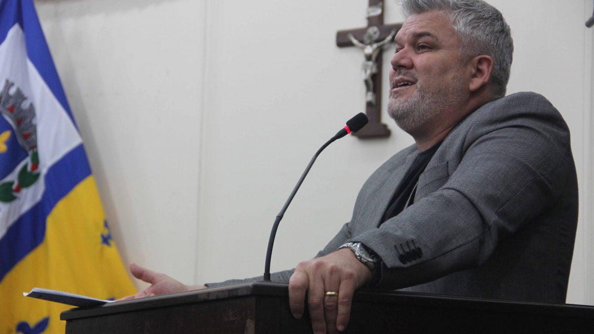 Projeto de Lei do Pastor Adilson em favor da educação é aprovado
