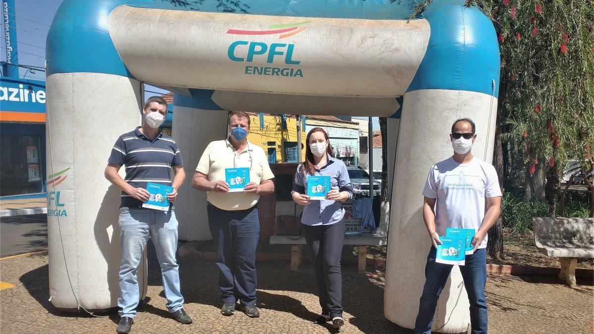 Prefeito acompanha ação da CPFL que ensina consumidores a usar a energia elétrica de forma inteligente, eficiente e segura