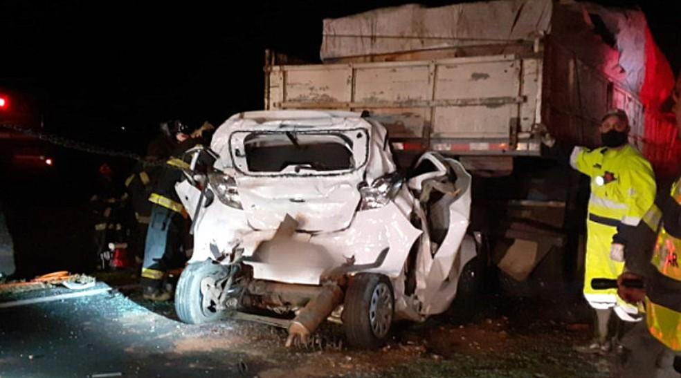 REGIÃO: Mãe e filho morrem em acidente na Rodovia Washington Luís