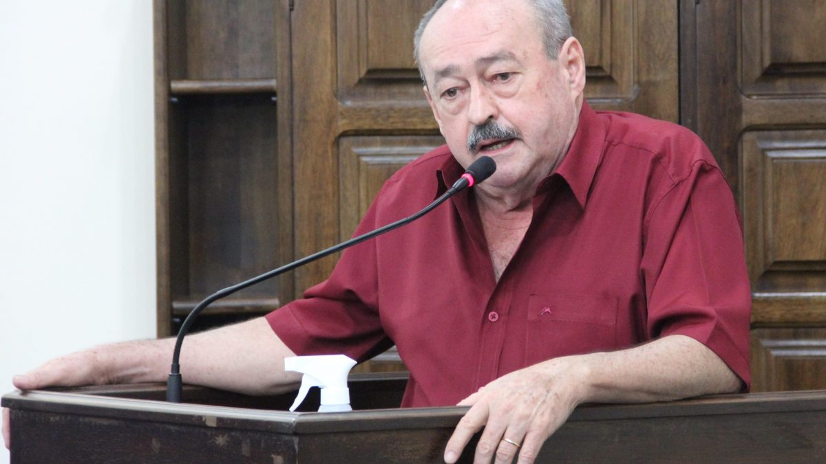 Pinho da Cabana reitera pedidos de melhorias para as escolas municipais