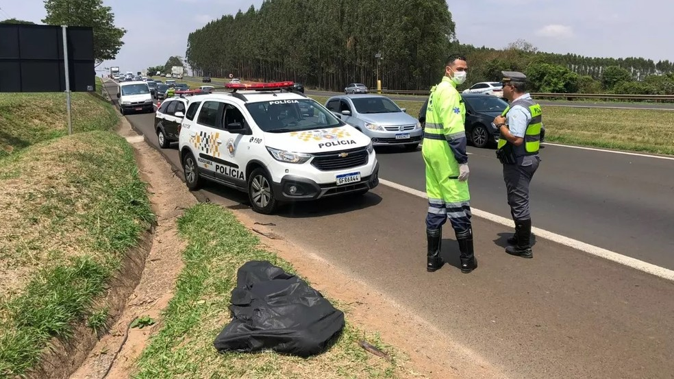 Região: Ciclista morre atropelado por caminhão